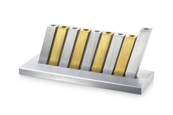 חנוכייה קיניטית זהב - עדי סידלר