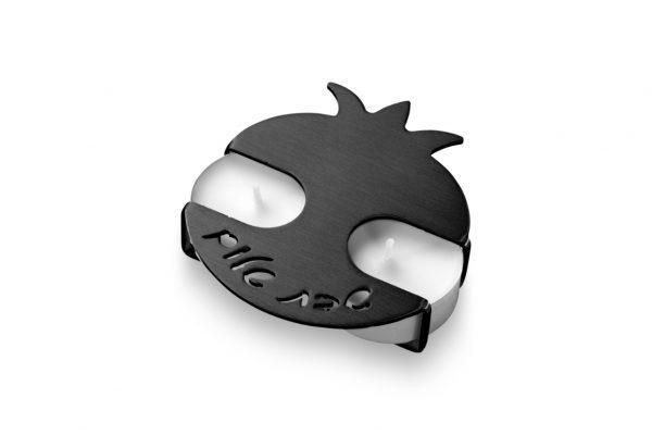 פמוטי רימון בצבע שחור בעיצוב של עדי סידלר מעצב יודאיקה
